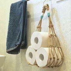 ideas for Rope toilet paper holders for bathrooms – diy bathroom ideas Macrame Art, Macrame Projects, Macrame Knots, Macrame Modern, Rope Crafts, Diy Crafts, Feather Crafts, Creation Deco, Macrame Tutorial