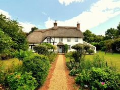 Thatched Cottages Traditional And Magical New Forest Cottage In