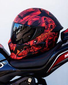 Retro Motorcycle Helmets, Custom Motorcycle Helmets, Futuristic Motorcycle, Custom Helmets, Racing Helmets, Motorcycle Bike, Rollers, Moto Design, Ktm Dirt Bikes