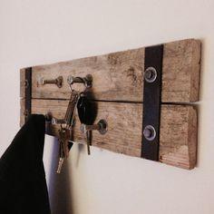 Pallet | hooks | coat rack