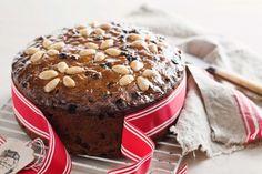 Easy Christmas cake http://www.taste.com.au/recipes/30325/easy+christmas+cake#