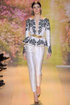 Zuhair Murad Parigi - Haute Couture Spring Summer 2014 - Shows - Vogue. Fashion Week Paris, Bridal Fashion Week, Runway Fashion, Fashion Beauty, Fashion Spring, Couture Week, Spring Couture, Haute Couture Looks, Haute Couture Fashion