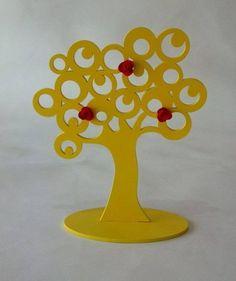 Árvore Retrô, em MDF recortada a laser, pintura com verniz automotivo colorido ou pátina provençal. Apliques de mini rosas em resina. Para a decoração da casa e tb usado como porta brincos.  Altura: 29.00 cm Largura: 10.00 cm Comprimento: 23.50 cm R$ 45,00