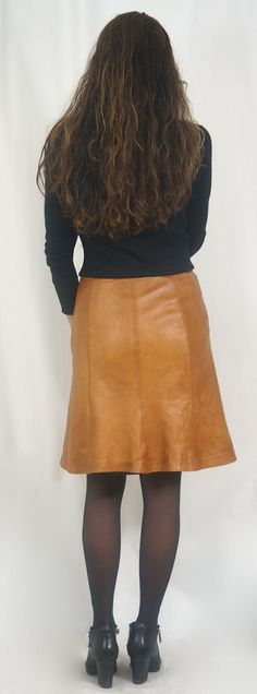 I love highstreet fashion but once in a while invest in itemsintended for a long-lasting relationship. Like this supersoft lambskin skirt from Onstage❤