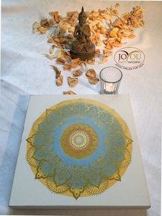 Damit Du im Licht steht . . . Handgemaltes Mandala mit Acryl auf Leinwand 30 x 30 cm Plates, Tableware, Artwork, Mandalas, Glee, Canvas, Licence Plates, Dishes, Dinnerware