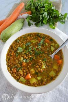 Sopa de lentejas con verduras & cúrcuma, de esas recetas saludables y reconfortante #sopa #lentejas #comidacasera