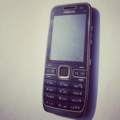 #Nokia #E52 in the sun, the thinnest #Symbian smartphone in world ever. #ESeries
