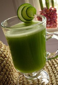 Slimming Green Juice Recipes + The Effects Each Vegetable and Fruit Has on your Health