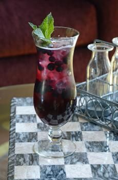 Blueberry Pomegranate Sangria | Barefoot Wine & Bubbly
