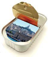 NEOZARRIVANTS en boite à sardine, celle qui a bouché le Vieux-port de Marseille !@NeoZarrivants -- http://www.neozarrivants.com/marseille/