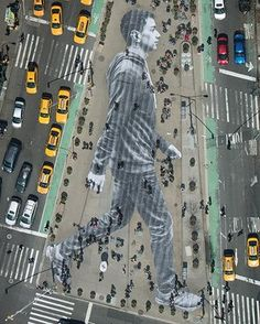 "JR's street art featuring a gigantic man walking in NYC graces the cover of ""The New York Times Magazine."" April Walking New York 3d Street Art, Amazing Street Art, Street Art Graffiti, Street Artists, New York Street Art, Street Work, Street Mural, Urbane Kunst, Kunst Online"