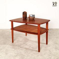 Bald auf www.19west.de: ein Minerva Coffee Table von Peter Hvidt und Orla Molgaard-Nielsen. #19west #vintage #retro #teak #danishdesign #mcm #midcentury #modernist #sixties #interior #interiordesign #home