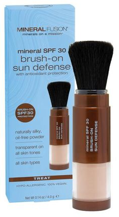 Transparent, mineral sunscreen powder brushes on with ease to help protect skin from sunburn. Fragrance free. Gluten free.