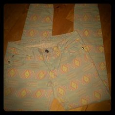 Tribal Aztec Boho Jeggings Skinny Jeans Pastel colored tribal patterned jeggings/skinny jeans.  Wouldn't say the material is thick like jeans but not as thin as some jeggings.  98% cotton; 2% spandex to be exact!!!  Gently worn.  Rue 21.  Smoke free home....we do have Yorkie!!!  Xoxo Rue 21 Pants Skinny