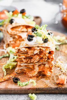 Chicken Enchilada Bake, Homemade Enchilada Sauce, Homemade Enchiladas, Chicken Enchiladas, Burritos, Grilled Salmon Marinade, Gourmet Recipes, Dinner Recipes, Dinner Dishes