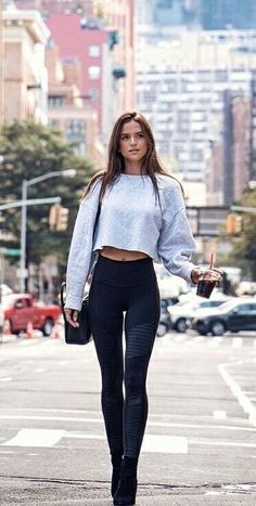 Casual Summer Outfits, Trendy Outfits, Cool Outfits, Sport Fitness, Perfect Jeans, Girl Fashion, Womens Fashion, Best Jeans, Well Dressed