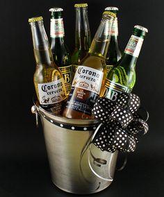 Selección Cervezas Premium en Champagnera - Fiestas 2012 - Uruguay Diy Father's Day Gifts, Diy Christmas Gifts, Fathers Day Gifts, Valentine Gifts, Gift Hampers, Gift Baskets, Birthday Surprise For Husband, Beer Basket, Surprises For Husband