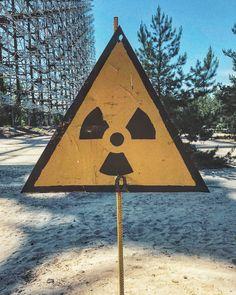 hoje eu fui pra chernobyl e pripyat hein filha da putas - Ukraine - Girls - Cities- Travel - Kiev - Odessa Chernobyl 1986, Chernobyl Disaster, Arte Van Gogh, Chernobyl Nuclear Power Plant, Nuclear Disasters, Tahiti, Abandoned Places, Ukraine, Patio
