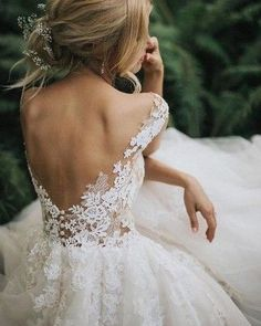 Such a beautiful wedding dress from Pronovias!- Such a beautiful wedding dress from Pronovias! We just love this open back style… Such a beautiful wedding dress from Pronovias! We just love this open back style. Open Back Wedding Dress, Dream Wedding Dresses, Bridal Dresses, Bridal Gown, Delicate Wedding Dress, Detailed Back Wedding Dress, Whimsical Wedding Dresses, Bridesmaid Dresses, Wedding Dress 2018