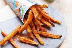 Voor friet zijn kids altijd te porren, óók voor deze gezondere variant met zoete aardappel - Recept - Allerhande