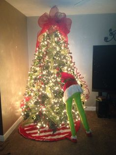 my christmas grinch in a tree - The Grinch Themed Christmas Decorations