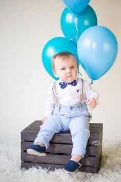 Archer came in for his one year session a couple weeks ago and boy was he in high spirits! He just had the greatest time, while keeping m. Cute Baby Boy Photos, Baby Boy Pictures, Newborn Baby Photos, Baby Poses, Baby Boy Dress, Baby Boy Outfits, Boy Birthday Pictures, Bebe 1 An, Baby Boy 1st Birthday Party