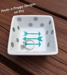 Arrows of love jewerly holder, ring holder, ring dish by PrettynPreppyDesigns on Etsy