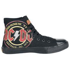"""AC/DC - High Voltage  - EMP Exklusiv! - bedruckt   Das gibt's NUR bei uns: Ladies And Gentlemen: AC/DC sind wohl DIE Urväter des Rocks. Die legendären Gitarrenriffs von Angus und Malcom Young gehören genauso zur Musikgeschichte, wie die zahlreichen Alben von AC/DC.  Aber AC/DC sollte man nicht nur auf die Gitarrenriffs reduzieren. Auch die Stimmen von Bon Scott und Brian Johnson werden wohl niemals sterben - sie sind ein Stück Rockgeschichte. Alben wie """"High Voltage"""",..."""