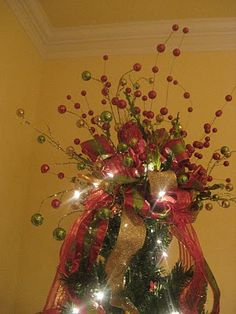 Another great tree topper ~ Kristen's Creations Plaid Christmas, Christmas Candy, All Things Christmas, Christmas Tree Decorations, Christmas Trees, Holiday Fun, Merry Christmas, Christmas Baking, Holiday Ideas