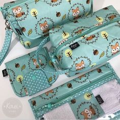 Ideas for sewing kit diy box Mochila Tutorial, Accessoires Divers, Expecting Mom Gifts, Fabric Gift Bags, Jewelry Roll, Purse Handles, Diy Purse, Jute Bags, Bag Patterns To Sew