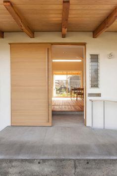 引き戸の玄関(江南の住宅)- 玄関事例