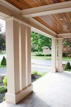 Get inspiration for back and front porch ideas. See pictures and get front porch design ideas, including tips for designing a minimalist porch for you. Back Patio, Backyard Patio, Outdoor Landscaping, Landscaping Ideas, Exterior Gris, Porch Kits, Porch Ideas, Roof Ideas, Patio Ideas