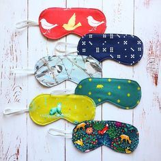 Last minute Christmas sewing - sleep masks! A request from my sister - I think she's been wearing handmade sleep masks for a good five years now. So I figured I'd give her a few to choose from. These were quick and easy to make - I think I spent more time choosing which fabrics to use. Pattern is Incognito by @verosacotin  #sacotin #sleepmasks #handmade #handmadegifts #christmassewing
