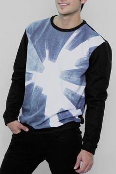 Hombre – www.urbanwear.co Sweater IAN -Tshirt