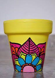 Macetas pintadas a mano/ hand painted flowerpots Flower Pot Art, Flower Pot Design, Flower Pot Crafts, Clay Pot Crafts, Painted Plant Pots, Painted Flower Pots, Decorated Flower Pots, Pottery Painting Designs, Posca