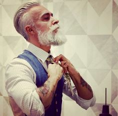 Many people call falsely beards a trend; what more a dead trend. Is your beard a result of a trend or a style? Let's look at the difference as well as find out what people think about furry bearded men with whiskers. Hommes Sexy, Beard Tattoo, Hair And Beard Styles, Men's Grooming, Haircuts For Men, Men's Haircuts, Popular Haircuts, Facial Hair, Bearded Men