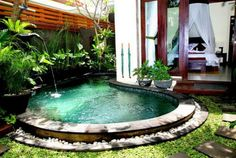 Lovely rounded pool
