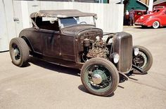 1930 roadster on a Deuce frame- crusty Old Hot Rods, Traditional Hot Rod, Classic Hot Rod, 1932 Ford, Ford Classic Cars, Street Rods, Ford Models, Hot Cars, Old School