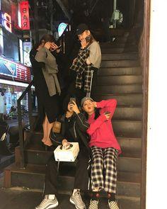 Korean Couple, Korean Girl, Asian Girl, Best Friend Outfits, Girls Best Friend, Ulzzang Couple, Ulzzang Girl, Bff Girls, Korean Best Friends