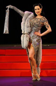 Dita Von Teese Burlesque and Fur Dita Von Teese Burlesque, Dita Von Teese Style, Burlesque Vintage, Vintage Glam, Dita Von Tease, Pin Up, Burlesque Costumes, Burlesque Dress, Burlesque Theme