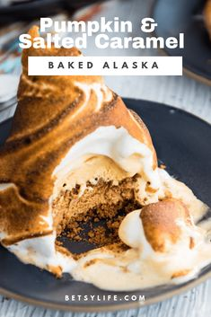 These individual baked Alaska desserts are the perfect holiday dessert. Flavored with pumpkin and salted caramel ice creams, and layered with ginger snaps, you've got a Thanksgiving dessert your family will go crazy for. Frozen Desserts, Holiday Desserts, Just Desserts, Dessert Recipes, Salted Caramel Ice Cream, Salted Caramel Cake, Omelette, Baked Alaska Recipe, Individual Desserts