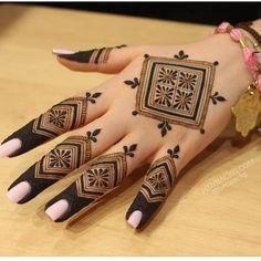 Mehndi Designs Finger, Henna Tattoo Designs Simple, Mehndi Designs For Girls, Mehndi Designs For Beginners, Modern Mehndi Designs, Dulhan Mehndi Designs, Mehndi Design Photos, Wedding Mehndi Designs, Mehndi Designs For Fingers