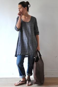 love the linen tunic and bag, the denim-not so much.. some other fabric would be more comfortable/vdc
