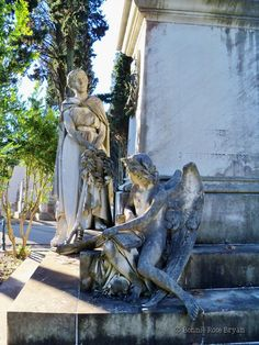 Cemitério dos Prazeres (Cemetery of Pleasures) - Lisboa / Lisbon, Portugal . photo by Bonnie Rose Bryan #grave #tomb #skull #monument #statue #angel