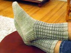 Kuvahaun tulos haulle myydään miesten villasukat Knit Crochet, Socks, Knitting, Diy, Fashion, Moda, Tricot, Bricolage, La Mode