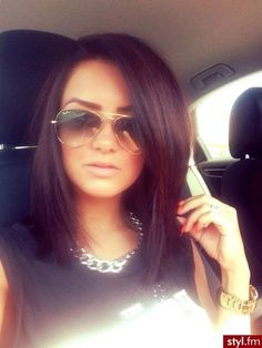 long bob dark OMG IM OBSESSED!!! Or blonde even.. just love the cut!!