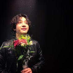 the rose dojoon White Roses, Red Roses, J Star, Rose Park, Kpop, Sadness, Boy Groups, Amanda, Rain