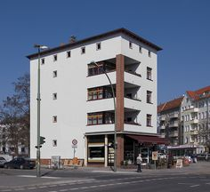 bruno taut @ grellstrasse    the head of the complex.    grellstrasse. 1927.