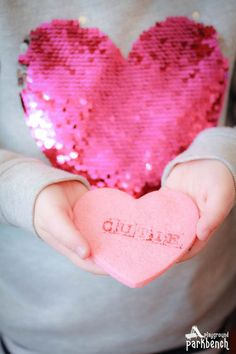 Easy Valentine's Day Cookies for Kids - this simple stamp technique is the easiest cookie decorating technique for kids. Use it to add iconic candy heart phrases to pink heart sugar cookies for the perfect Valentine's Day dessert Iced Cookies, Sugar Cookies, Winter Activities For Kids, No Cook Desserts, Dessert Recipes, Valentines Day Desserts, Cookies For Kids, Homemade Baby Foods, Cooking With Kids