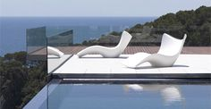 Buy Vondom Surf Sun Chaise online with Houseology's Price Promise. Full Vondom collection with UK & International shipping. Outdoor Lounge, Outdoor Seating, Outdoor Living, Indoor Outdoor, Outdoor Decor, Lounge Seating, Karim Rashid, Outdoor Furniture Design, Pool Furniture